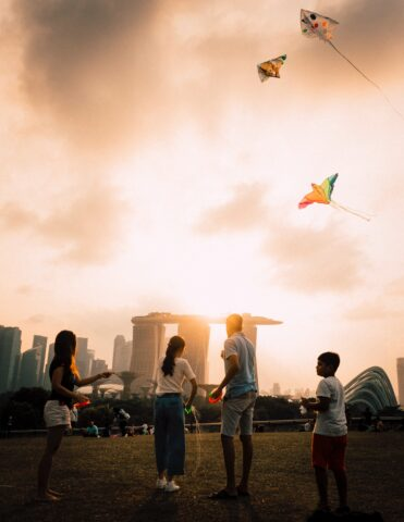 fathers day affordable budget friendly gift ideas spend quality time hiking picnic flying kite