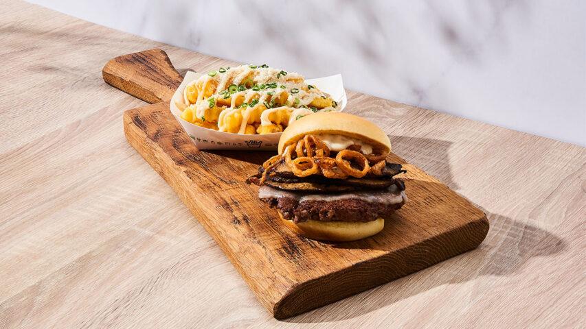 gardens-by-the-bay-shake-shack-burgers-singapore-Roasted-Garlic-Mushroom-crinkle-cut-fries