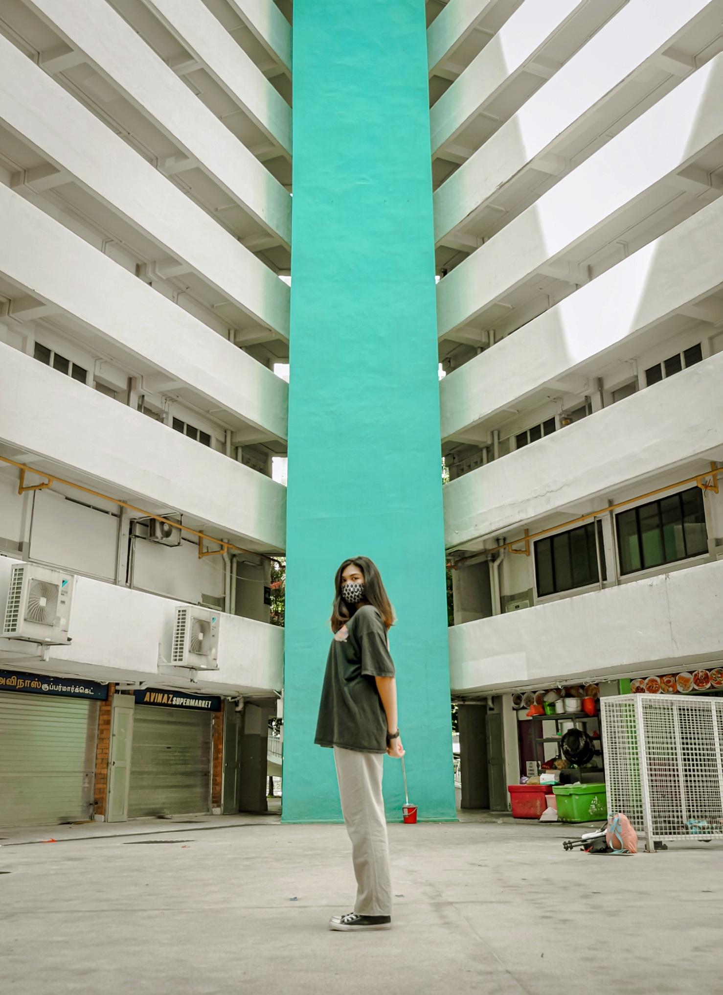 diamond-block-turquoise-wall