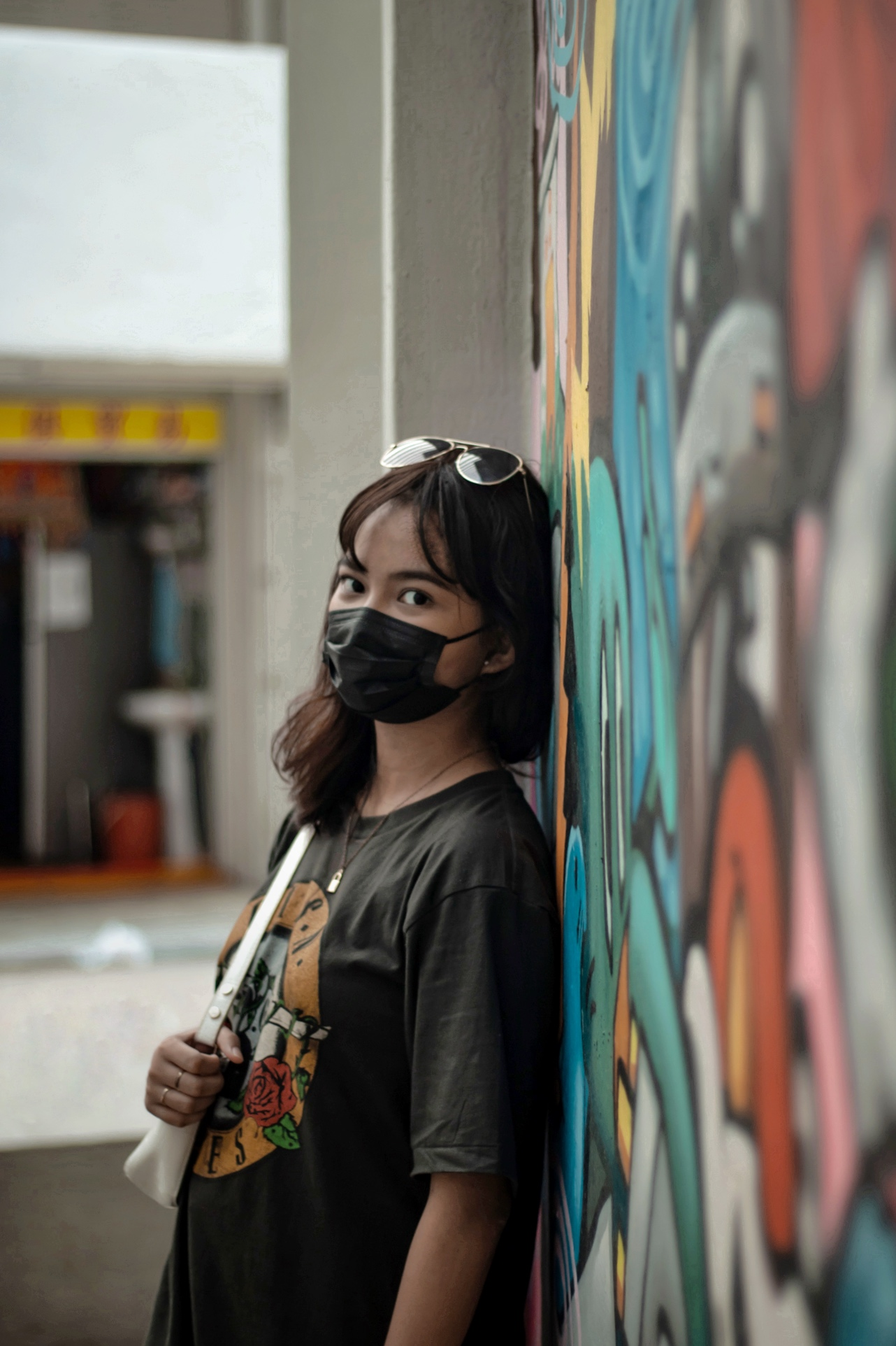 diamond-block-vibrant-colourful-mural-street-art