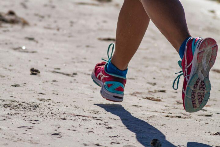 jogging-running-injuries-cure-treatment-methods-common--plantar-fasciitis-injuries