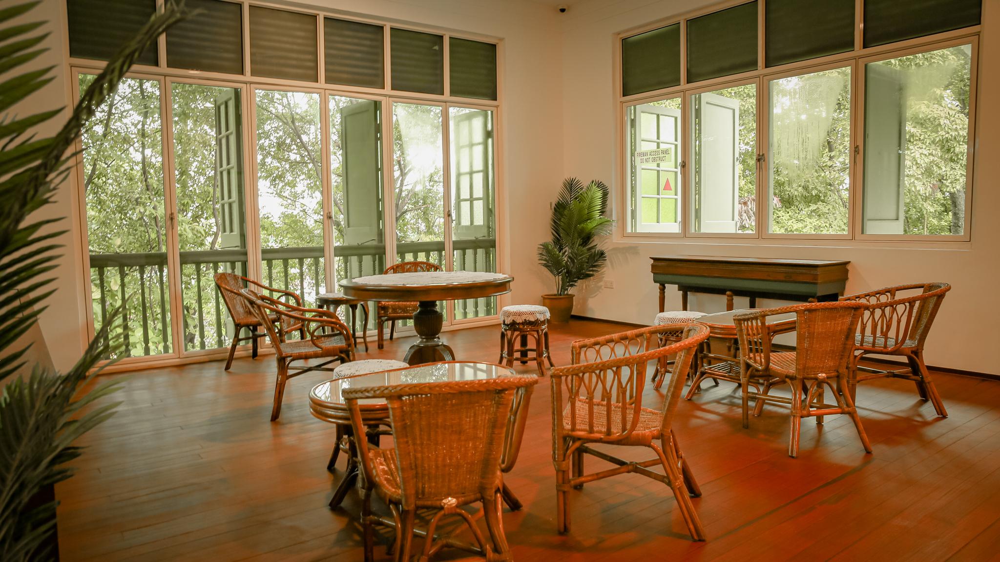 the-lounge-reflections-at-bukit-chandu